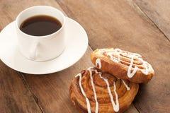 Kaffee mit dänischem Gebäck Stockbild