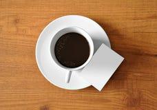Kaffee mit digitaler Tablette Stockfotografie