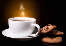 Kaffee mit einem Rauche Stockbild