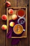 Kaffee mit Farbmuster Lizenzfreies Stockfoto
