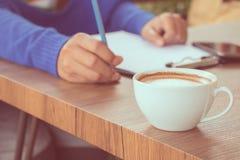 Kaffee mit Handschrift Lizenzfreie Stockbilder