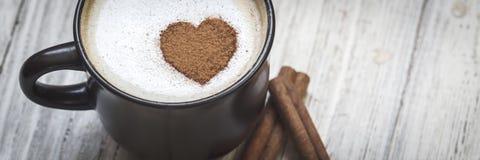 Kaffee mit Liebe lizenzfreie stockfotos