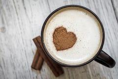 Kaffee mit Liebe stockbild