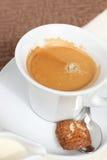 Kaffee mit Milch Stockbilder