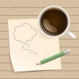 Kaffee mit Papieranmerkung über hölzernen Hintergrund lizenzfreie abbildung