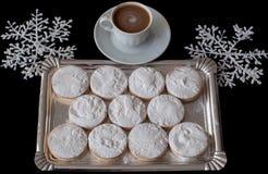 Kaffee mit selbst gemachten polvorones stockfotos