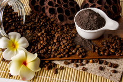 Kaffee scheuern sich lizenzfreie stockfotografie