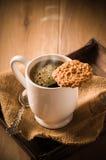 Kaffee u. Biskuit lizenzfreie stockbilder