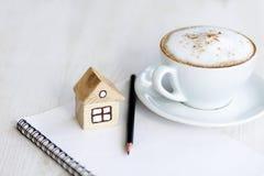 Kaffee und alles, die Sie benötigen Stockfotografie