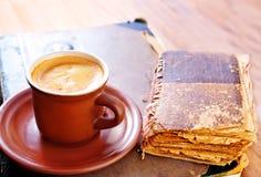 Kaffee und Bücher Lizenzfreies Stockbild