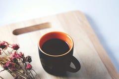 Kaffee und Blume Lizenzfreie Stockbilder