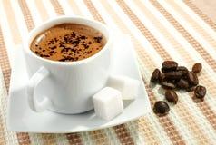 Kaffee und Bohne Lizenzfreies Stockbild