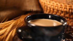Kaffee und Brot stock video