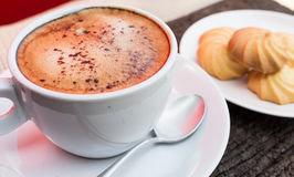 Kaffee und Bruch Stockbild