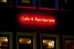 Kaffee und Gaststätteneon Stockfotos