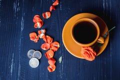 Kaffee und geld- Lebensmittelindustriekonzept Lizenzfreie Stockbilder