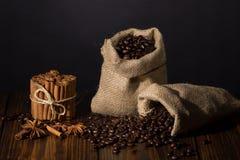 Kaffee und Gewürze stockfoto
