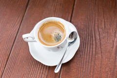 Kaffee und hölzerner Hintergrund des Schmutzes stockfoto