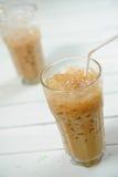 Kaffee und icecubes lizenzfreie stockfotos