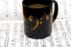 Kaffee und Jazz lizenzfreie stockbilder