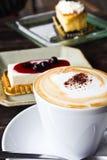 Kaffee und Käsekuchen Lizenzfreies Stockbild