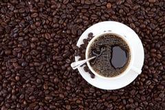 Kaffee und Kaffeebohnen Lizenzfreies Stockbild
