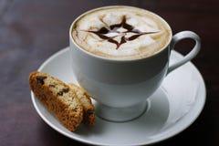 Kaffee und Kaffeekunst Stockfotografie