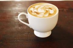 Kaffee und Kaffeekunst Stockfoto