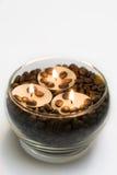 Kaffee und Kerzen Stockfotos