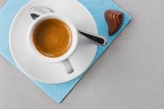 Kaffee und Süßigkeit Stockbild