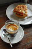 Kaffee und Sandwich stockbild