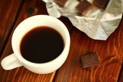 Kaffee und Schokolade stockbilder