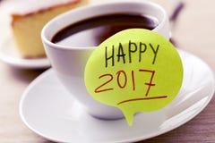 Kaffee und Text glückliches 2017 Lizenzfreies Stockfoto