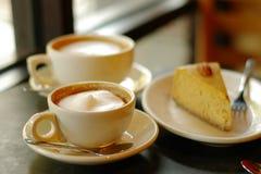 Kaffee und Torte stockbilder