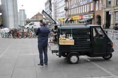 KAFFEE-VERKÄUFER Lizenzfreie Stockfotografie