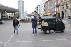 KAFFEE-VERKÄUFER Lizenzfreie Stockbilder