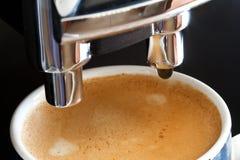 Kaffee von der Espressomaschine Lizenzfreies Stockfoto