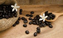 Kaffeebohne im Sack Stockfotografie