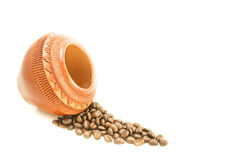 Kaffeebohne lokalisiert auf weißem Hintergrund Lizenzfreies Stockfoto