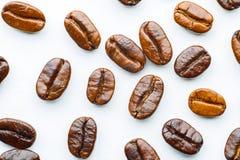 Kaffeebohnen gebraten Stockfotos