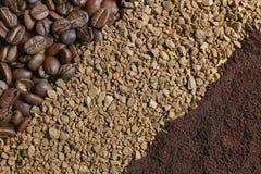 Kaffeebohnen, gemahlener Kaffee, Instantkaffee Stockfotografie