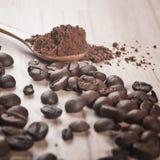 Kaffeebohnen und Kakao Stockbilder