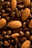 Kaffeebohnen und Mandeln Lizenzfreies Stockfoto