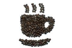 Kaffeebohnestreifen getrennt im weißen Hintergrund Stockfotos