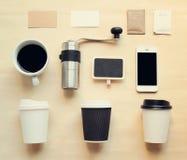 Kaffeebrandingidentitätsspott aufgestellt Stockfotografie