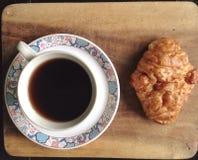 Kaffeebrot auf Sommer Stockfoto