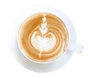 Kaffeecappuccino Lattekunst der Draufsicht heiße lokalisiert auf weißem backg Stockbild
