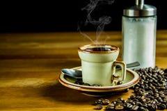 Kaffeehintergrundzucker und -bohnen Lizenzfreie Stockfotografie
