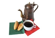 Kaffeekanne mit Kaffee lizenzfreie stockbilder