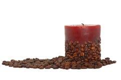 Kaffeekerze verziert mit Bohnen Lizenzfreies Stockbild